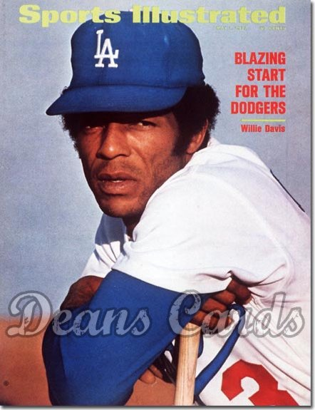1972 Sports Illustrated - With Label   May 1  -  Willie Davis (Los Angeles Dodgers)