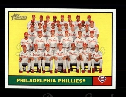 2010 Topps Heritage #443   Phillies Team